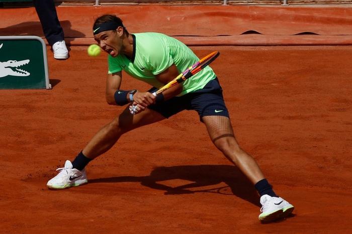 Djokovic đổ máu để đại chiến Nadal tại bán kết Roland Garros - Ảnh 8.