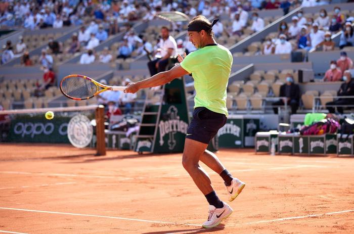 Djokovic đổ máu để đại chiến Nadal tại bán kết Roland Garros - Ảnh 10.