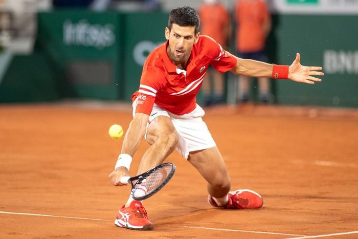 Djokovic đổ máu để đại chiến Nadal tại bán kết Roland Garros - Ảnh 3.