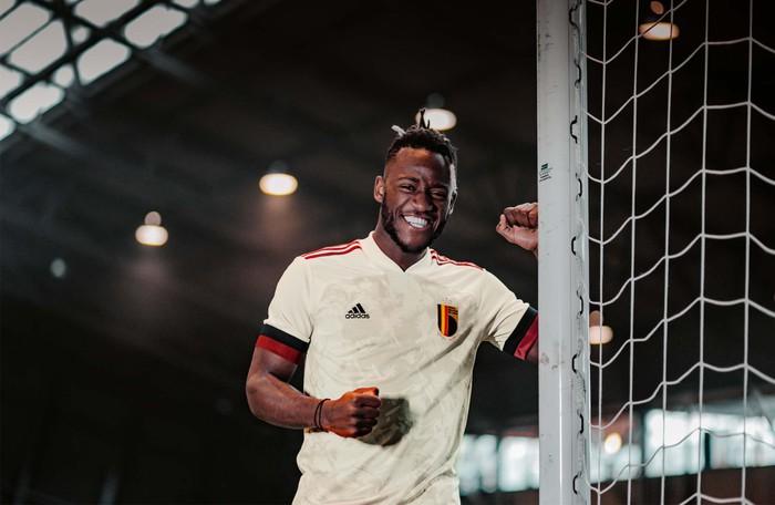 Đánh giá áo đấu của 6 ứng viên đầu bảng tại Euro 2020 - Ảnh 4.