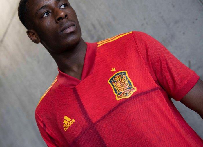 Đánh giá áo đấu của 6 ứng viên đầu bảng tại Euro 2020 - Ảnh 8.