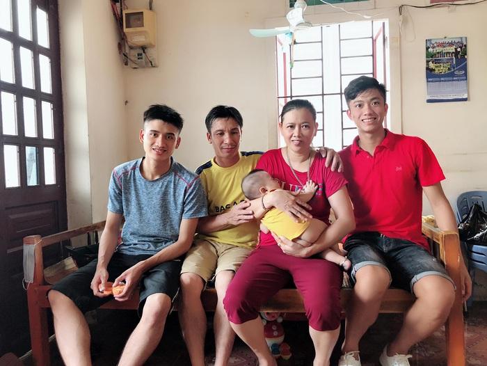 Bố mẹ cầu thủ tuyển Việt Nam: Thương các con vất vả, nhưng hãy vượt mọi khó khăn vì nhiệm vụ Tổ quốc - ảnh 5