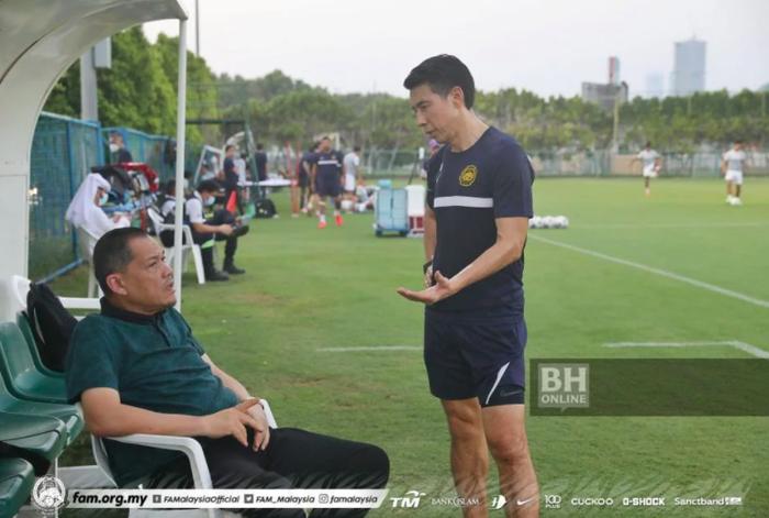 Chuyên gia thể thao Malaysia chỉ ra điểm thua thiệt của cả đội hình Việt Nam so với đối thủ đêm nay - Ảnh 1.
