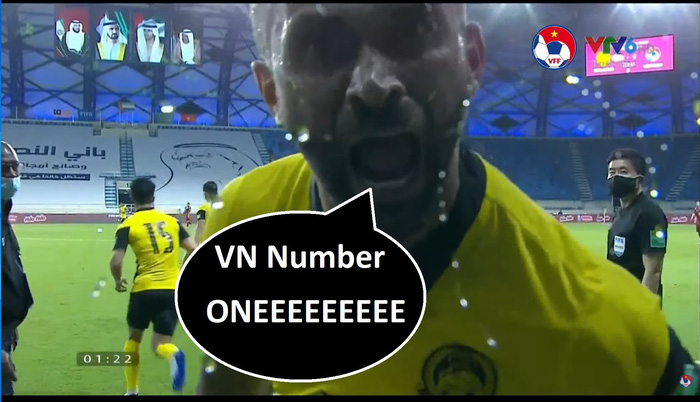 Fan Việt Nam chế ảnh cực gắt ĐT Malaysia sau trận thua thầy trò HLV Park Hang-seo - ảnh 4
