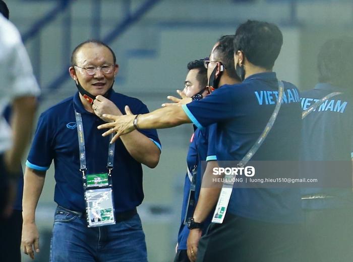 HLV Park Hang-seo có thể không dẫn dắt U23 Việt Nam ở vòng loại U23 châu Á 2022 - Ảnh 1.