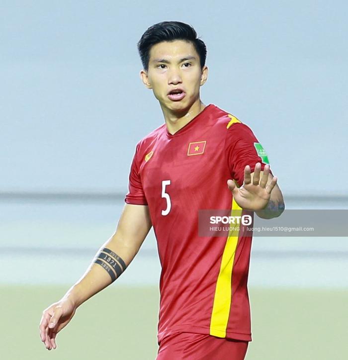 Văn Hậu thi đấu lăn xả như chưa hề chấn thương, hai lần làm tuyển Việt Nam thót tim - Ảnh 7.