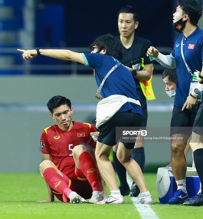 Văn Hậu thi đấu lăn xả như chưa hề chấn thương, hai lần làm tuyển Việt Nam thót tim - Ảnh 5.