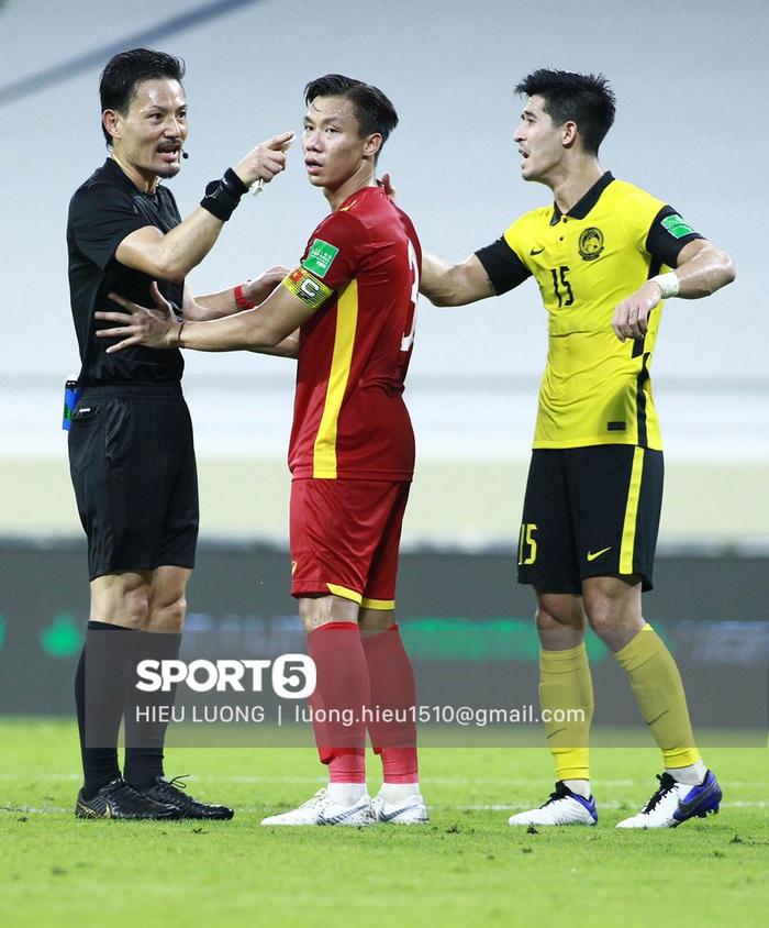 Độc quyền: Văn Hậu phạm lỗi, tuyển Việt Nam nhận bàn thua trước Malaysia - Ảnh 8.