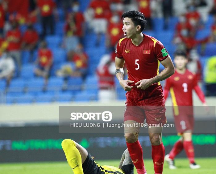 Độc quyền: Văn Hậu phạm lỗi, tuyển Việt Nam nhận bàn thua trước Malaysia - Ảnh 10.