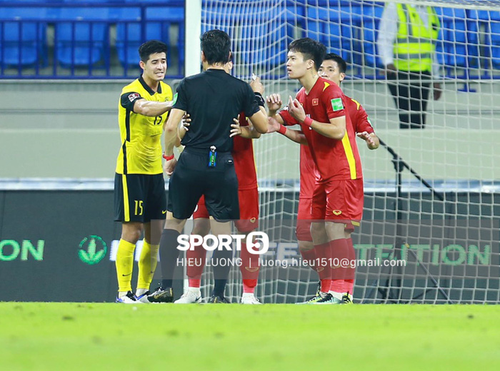 Độc quyền: Văn Hậu phạm lỗi, tuyển Việt Nam nhận bàn thua trước Malaysia - Ảnh 6.