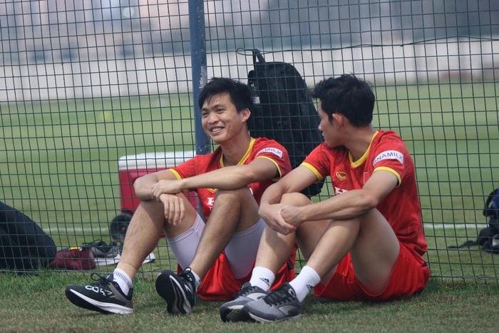Tuấn Anh vẫn đi tập tễnh, khó tham dự trận UAE - Việt Nam - Ảnh 2.