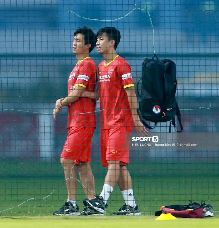 Tuấn Anh vẫn đi tập tễnh, khó tham dự trận UAE - Việt Nam - Ảnh 5.