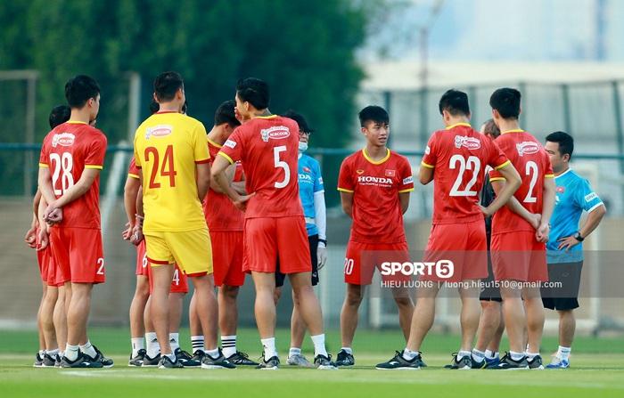Tuấn Anh vẫn đi tập tễnh, khó tham dự trận UAE - Việt Nam - Ảnh 6.