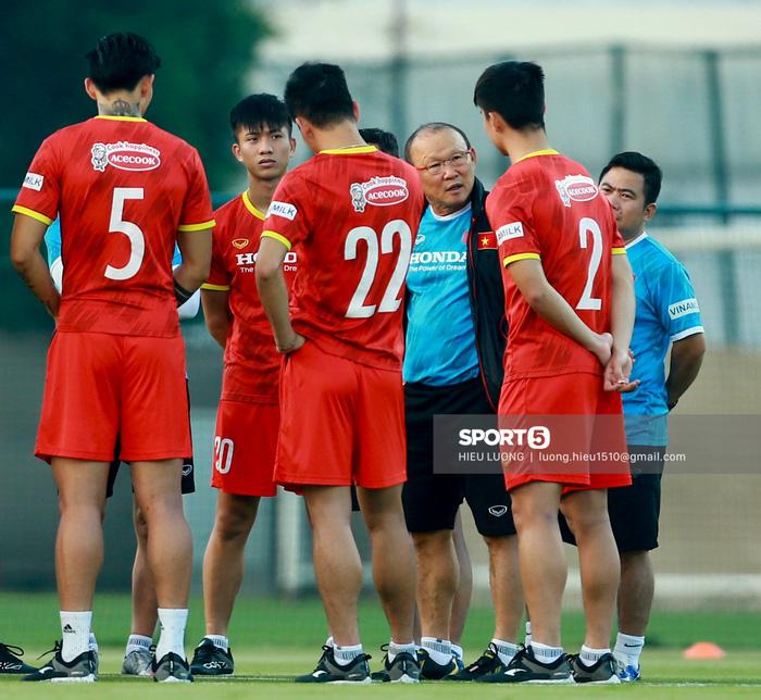 Tuấn Anh vẫn đi tập tễnh, khó tham dự trận UAE - Việt Nam - Ảnh 7.