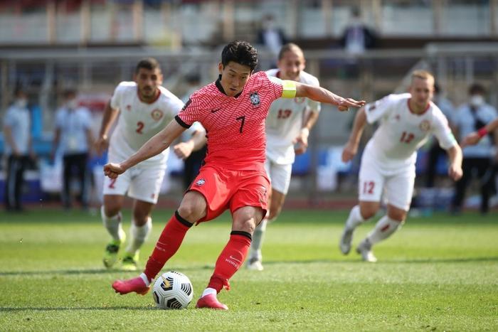 Siêu sao Son Heung-min giúp tuyển Việt Nam rộng cửa đi tiếp - Ảnh 1.