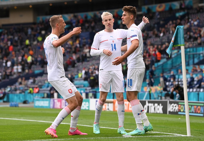 Siêu phẩm giữa sân giúp CH Czech nhấn chìm tuyển Scotland - Ảnh 1.