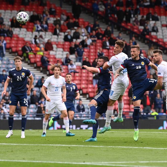 Siêu phẩm giữa sân giúp CH Czech nhấn chìm tuyển Scotland - Ảnh 6.