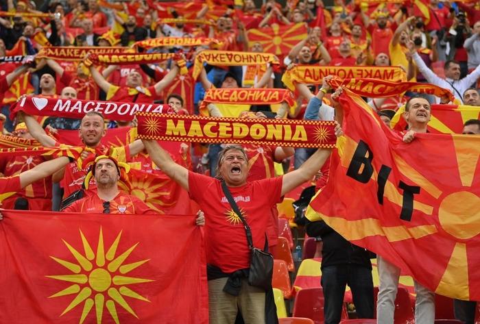 Lão tướng 38 tuổi làm nên lịch sử khi ghi bàn đầu tiên cho Macedonia ở Euro, CĐV vỡ òa trong hạnh phúc, hân hoan không nói nên lời - Ảnh 5.