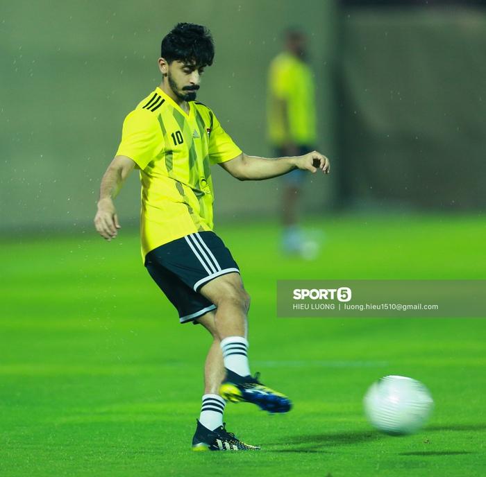 Tiền đạo Brazil nhập tịch UAE buồn bã trước ngày đấu tuyển Việt Nam - Ảnh 9.