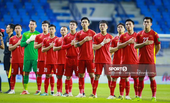 """Quế Ngọc Hải thoát kiếp """"ăn mừng ké"""", ghi bàn thắng quan trọng giúp Việt Nam đánh bại Malaysia - Ảnh 1."""