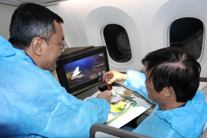 Đội tuyển Việt Nam cảm động vì được tri ân bằng món ăn đặc biệt - Ảnh 5.