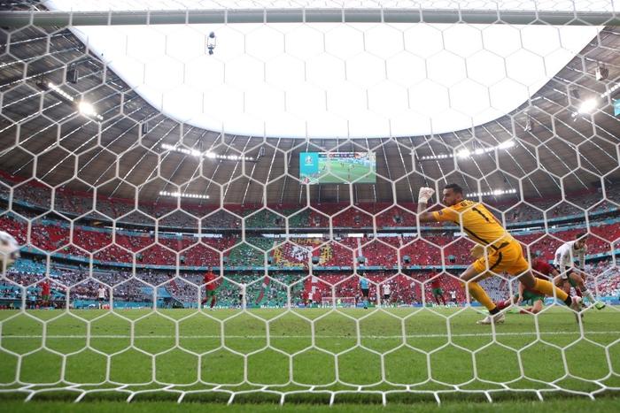 Đen như Ronaldo: Nỗ lực nước rút thần tốc ghi bàn mở tỷ số, công sức sau đó lại đi tong bởi màn bóp khó tin của đồng đội - Ảnh 2.