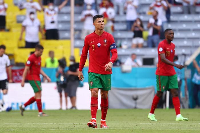 Đen như Ronaldo: Nỗ lực nước rút thần tốc ghi bàn mở tỷ số, công sức sau đó lại đi tong bởi màn bóp khó tin của đồng đội - Ảnh 8.