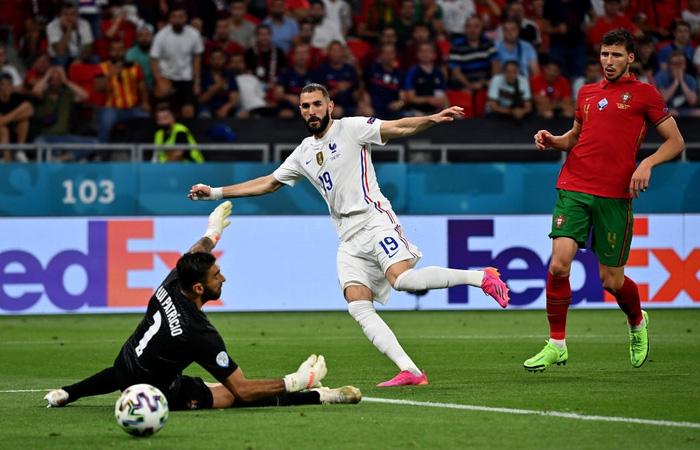 """Ronaldo sắm vai người hùng, Bồ Đào Nha cầm hòa Pháp để giành """"vé vớt"""" - Ảnh 6."""