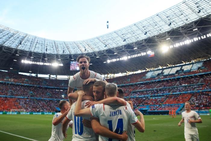 Trai đẹp Schick lại nổ súng hạ gục Hà Lan, đe dọa ngôi Vua phá lưới của Ronaldo - Ảnh 7.