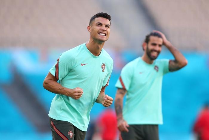 Trai đẹp Schick lại nổ súng hạ gục Hà Lan, đe dọa ngôi Vua phá lưới của Ronaldo - Ảnh 8.