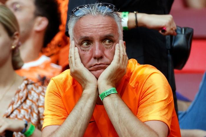 Hành trình cảm xúc của fan Hà Lan từ vui sướng tới thất vọng trong ngày đội nhà thua sốc trước CH Séc - Ảnh 9.