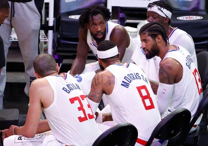Paul George sánh vai cùng các huyền thoại NBA sau màn trình diễn bùng nổ trước Phoenix Suns - Ảnh 3.