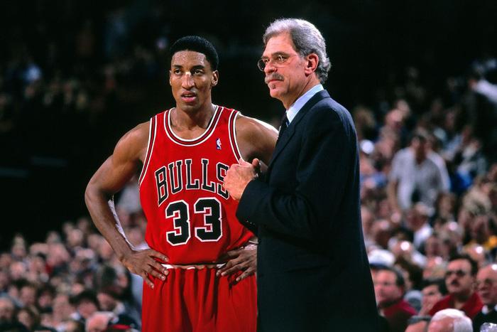 """Scottie Pippen cáo buộc """"thầy cũ"""" Phil Jackson phân biệt chủng tộc - Ảnh 2."""