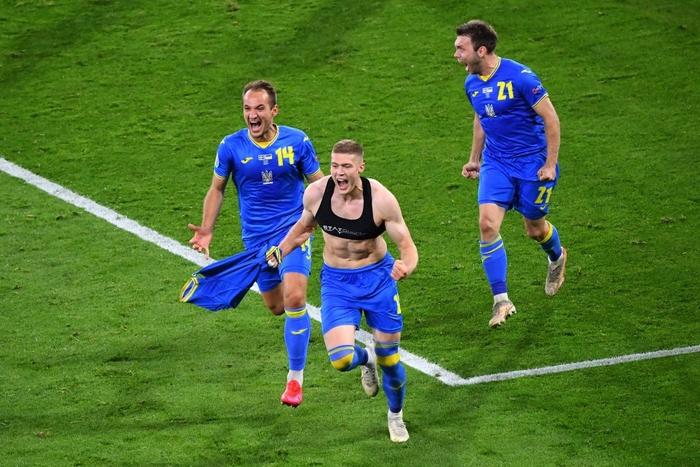 Đánh bại Thụy Điển bằng bàn thắng vàng phút 120 1', Ukraine điền tên vào vòng tứ kết Euro 2020 - Ảnh 12.