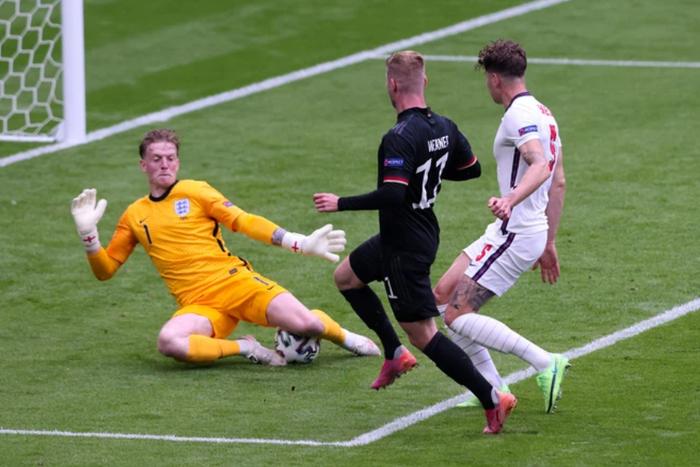 Hạ gục tuyển Đức ở Wembley, tuyển Anh kết thúc 55 năm sống trong đau đớn - Ảnh 3.