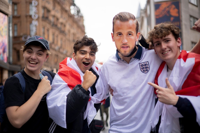 Chưa ăn mừng xong chiến thắng hoành tráng trước Đức, fan tuyển Anh đón nhận tin dữ ở tứ kết - Ảnh 1.
