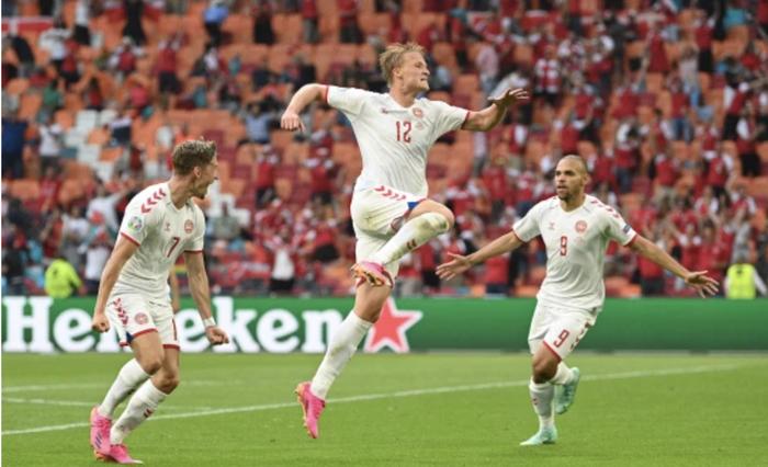 """""""Chết hụt thì thường hay sống dai"""", 3/4 đội xếp thứ ba có thành tích tốt nhất vòng bảng đều đã giành vé vào Tứ kết Euro 2020 - Ảnh 5."""