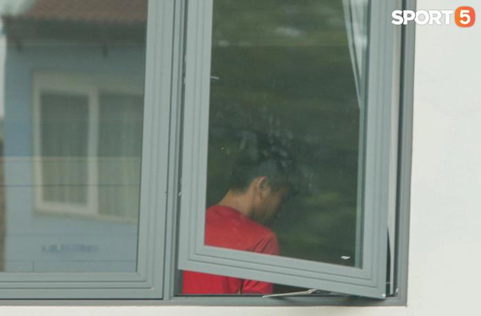 Cập nhật ĐT Việt Nam hoàn thành cách ly: HLV Park Hang-seo đã rời khách sạn - Ảnh 4.