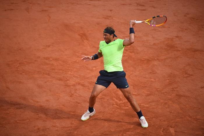 Federer thua set đầu tiên, Nadal và Djokovic thần tốc đi tiếp ở Roland Garros - Ảnh 9.