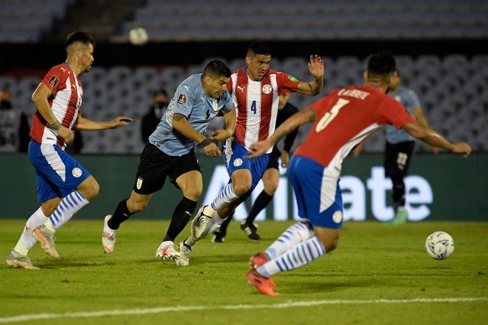 """Suarez """"tịt ngòi"""", Uruguay hòa không bàn thắng với Paraguay - Ảnh 1."""