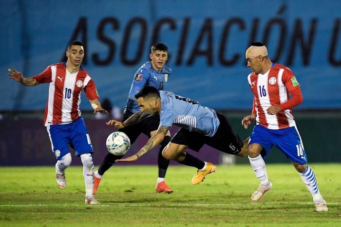 """Suarez """"tịt ngòi"""", Uruguay hòa không bàn thắng với Paraguay - Ảnh 5."""
