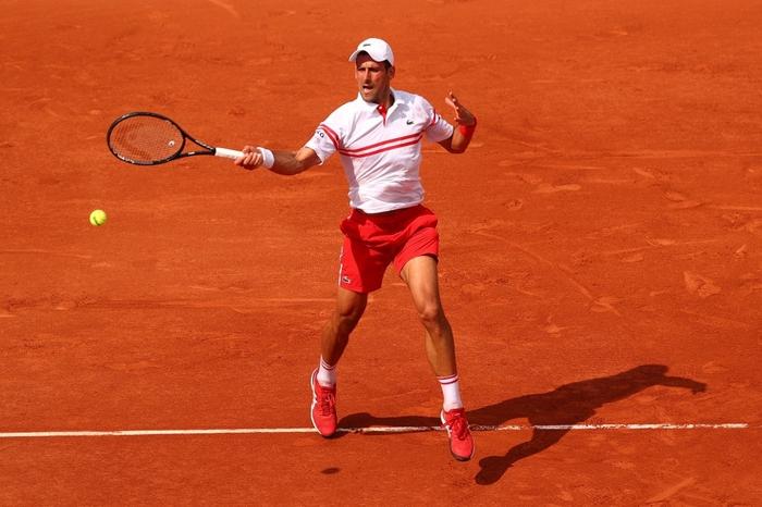 Federer thua set đầu tiên, Nadal và Djokovic thần tốc đi tiếp ở Roland Garros - Ảnh 2.