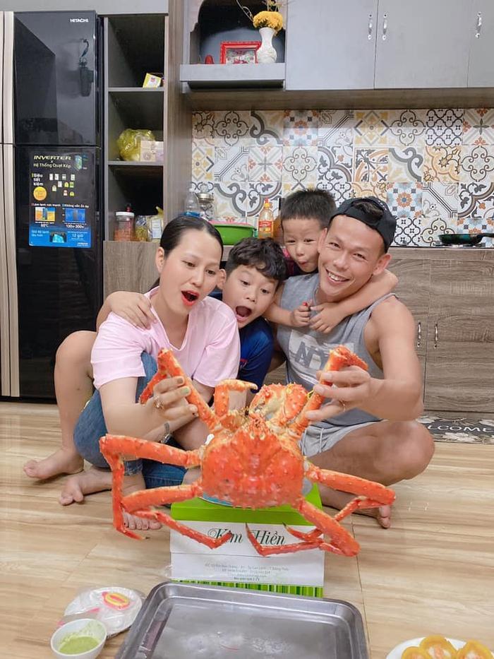 Gia đình nhắn gửi đầy ngọt ngào đến tuyển thủ Việt Nam: Con, anh hai và mẹ yêu ba - Ảnh 1.