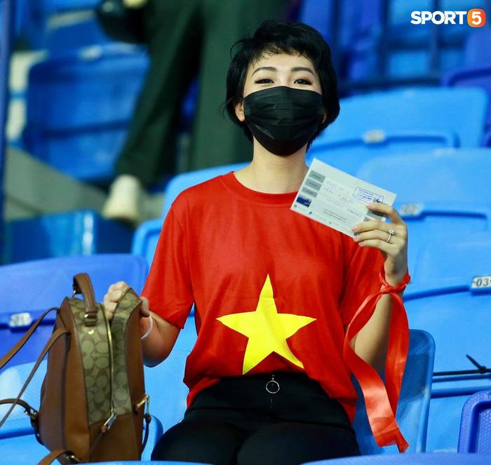 """Người Việt ở UAE tiếp lửa đội tuyển Việt Nam: """"Khi con người phải giữ khoảng cách, con tim xích lại gần"""" - Ảnh 4."""