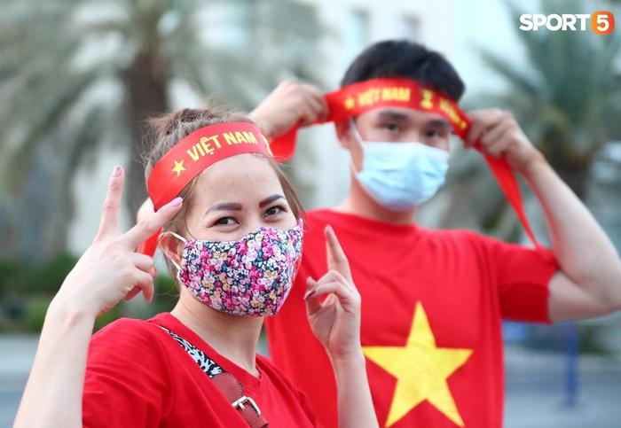 """Người Việt ở UAE tiếp lửa đội tuyển Việt Nam: """"Khi con người phải giữ khoảng cách, con tim xích lại gần"""" - Ảnh 7."""