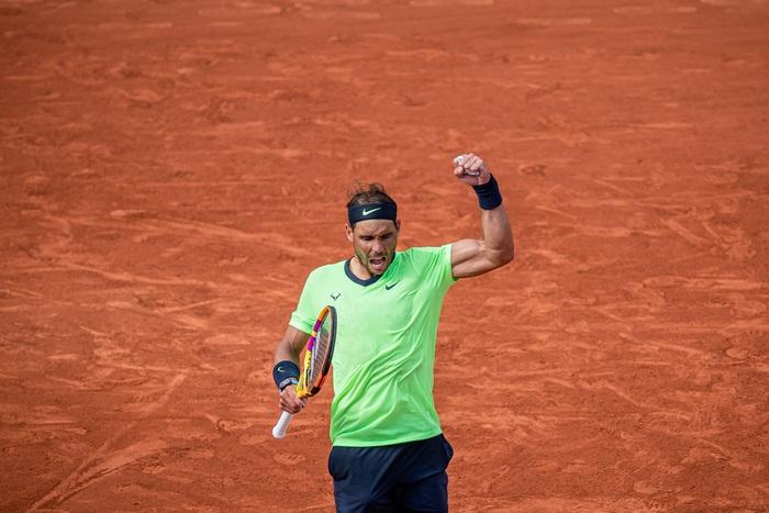 Djokovic thoát hiểm, Nadal thuyết phục đi tiếp ở vòng 4 Roland Garros - Ảnh 9.