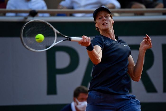 Djokovic thoát hiểm, Nadal thuyết phục đi tiếp ở vòng 4 Roland Garros - Ảnh 12.