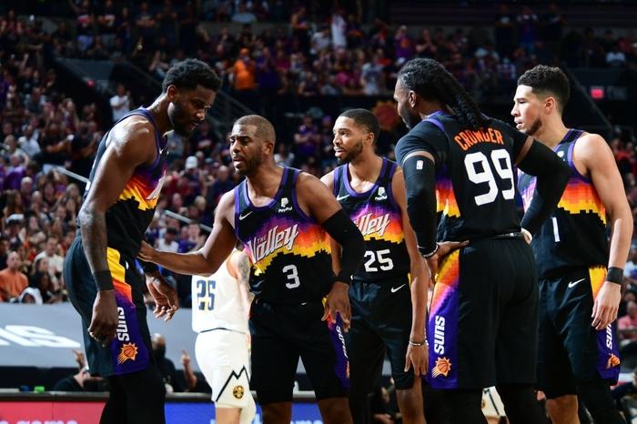 Đẳng cấp Chris Paul lên tiếng đưa Phoenix Suns vươn lên trước Denver Nuggets - Ảnh 1.