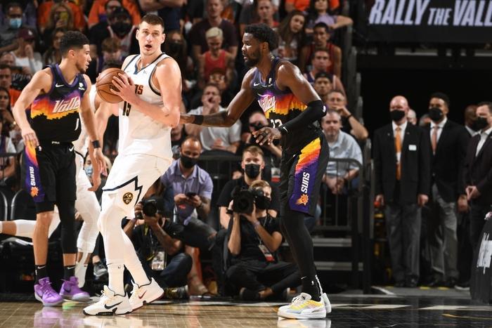Đẳng cấp Chris Paul lên tiếng đưa Phoenix Suns vươn lên trước Denver Nuggets - Ảnh 3.