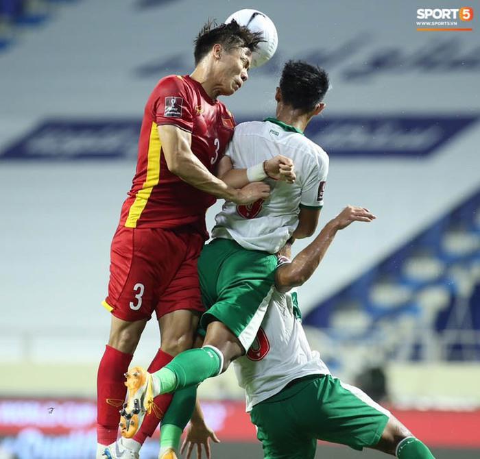 Những khoảnh khắc tuyệt đẹp của tuyển Việt Nam khiến người hâm mộ đổ rần rần - Ảnh 3.